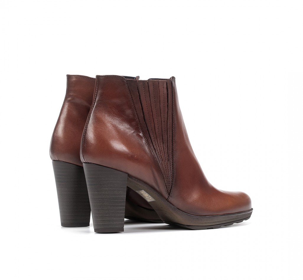 REINA D7961 Sugar Leather Ankle Boots