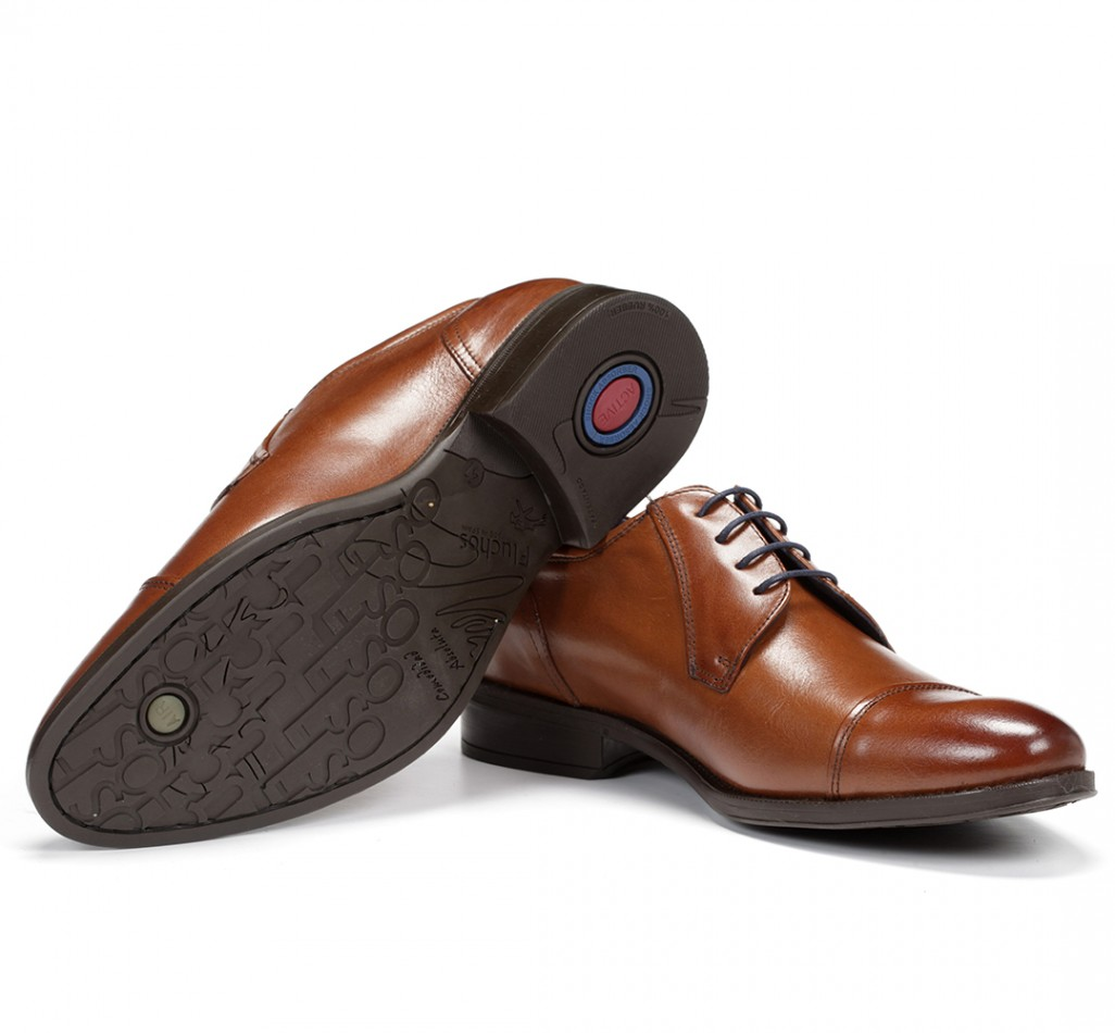 bf5df1a1 The lightweight Simon model uses XL Extralight sole technology to reduce  weight and increase comfort. The shoe weighs less, is lighter and is  remarkably ...